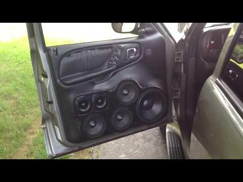 Dodge Durango 20 Speaker Sound System!!