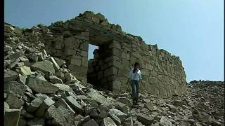 Chankillo Peru travels, observatorio solar Casma tours Chanquillo preinka ancient solar observatory