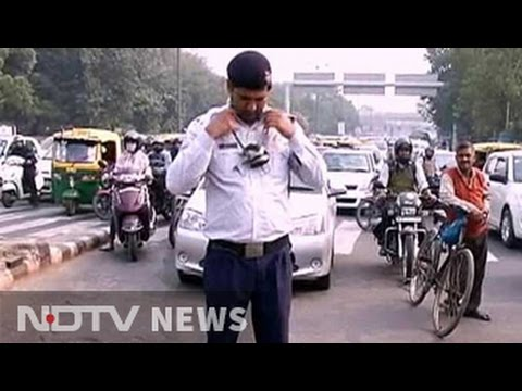Traffic cops in Delhi most vulnerable to air pollution, say experts