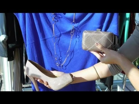 Accessorizing a Bright Blue Dress : Fashion Trends