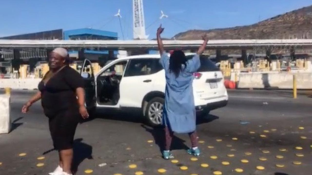 Irate Woman Goes Mad At Officials For US Border Closure