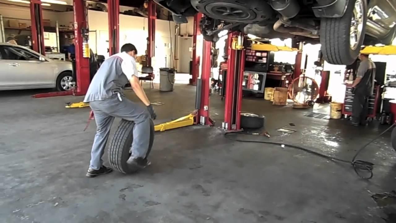 Cavender Toyota Service Center Express Maintenance