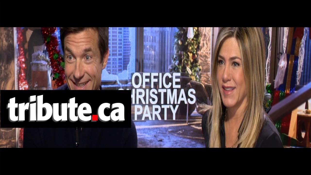 Jason Bateman & Jennifer Aniston - Office Christmas Party Interview ...