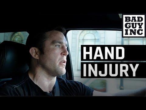 Daniel Cormier's hand injury...