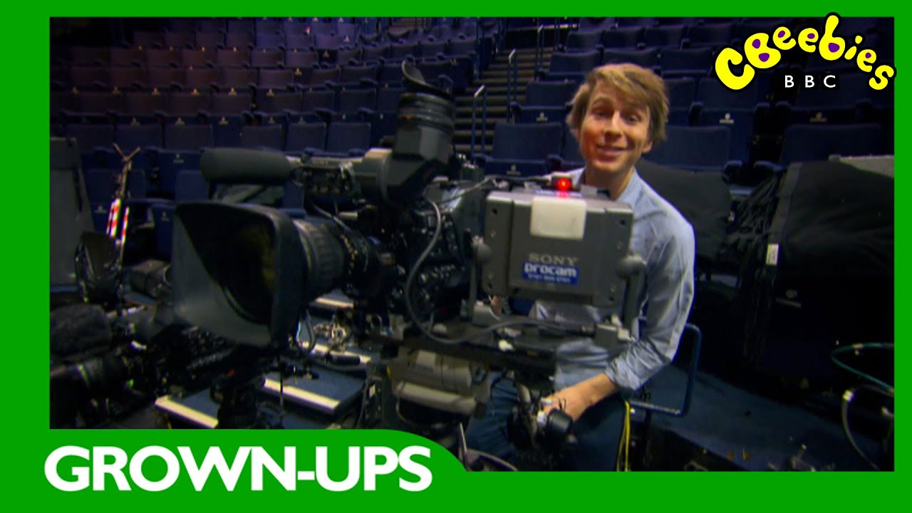 Download CBeebies Grown-Ups: Behind the Scenes Of Elves And The Shoemaker With Mr Bloom