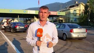 Duket sikur askush nuk ka mbetur pas në Kosovë. Mijëra vetë i janë ...