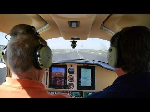 Auf die AERO EXPO 2013 mit der Cessna Columbia 350