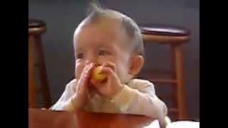 Дети и лимон! Смешное и доброе видео!