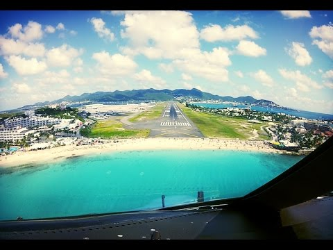 Cockpit Landing at St-Maarten (SXM) Netherlands Antilles (Pilot's View)