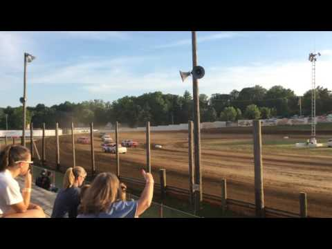 6-18-16 Bomber Heat Race 1 at Lincoln Park Speedway