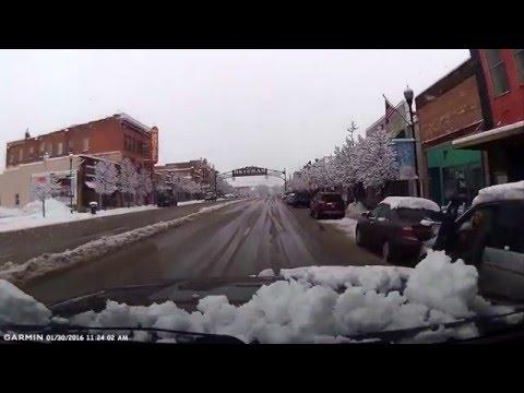 Idiot driver in a minivan in Brigham City, Utah. Jan 30, 2016