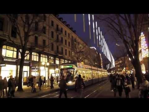 Weihnachtsbeleuchtung an der Bahnhofstrasse in Zürich - 'The World largest timepiece'