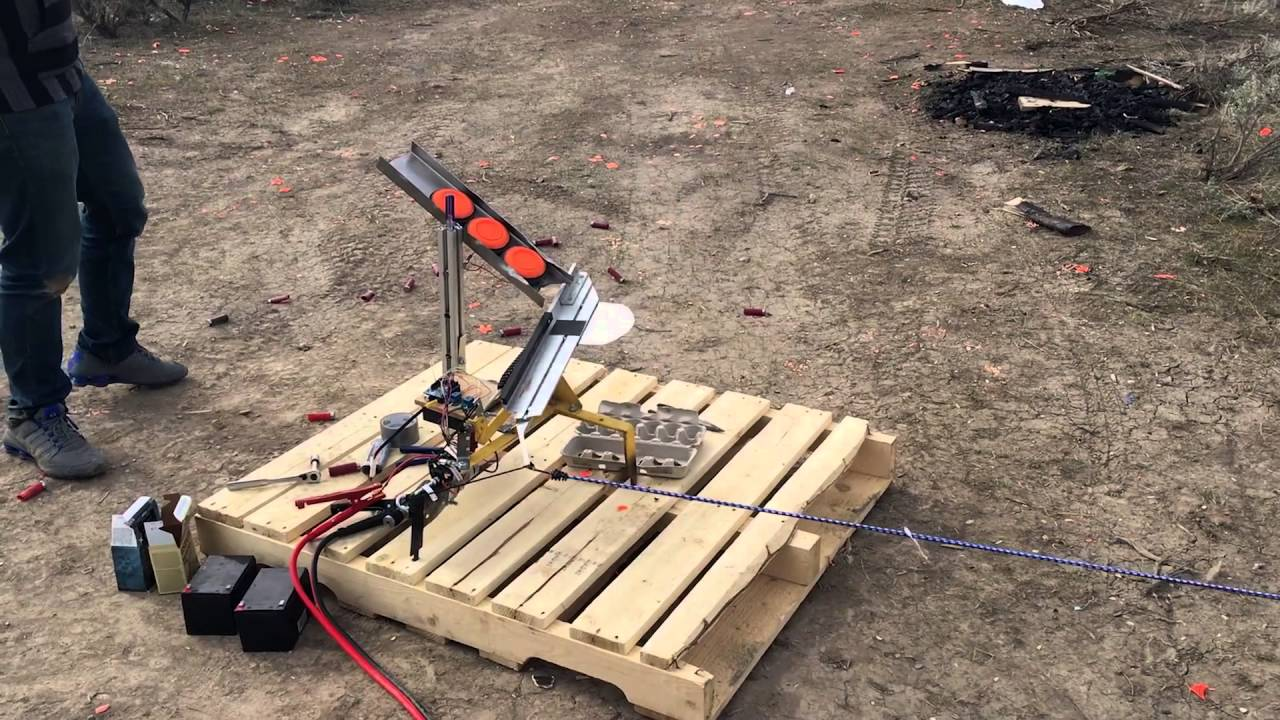 Automatic Clay Pigeon Thrower - YouTube