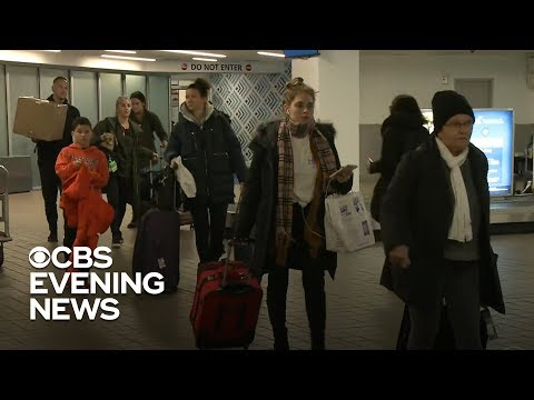 Heavy snow and strong winds expected to cause airport delays in Central U.S.