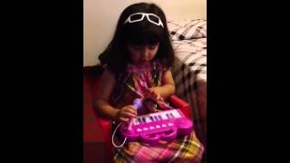 """Barbie La Princesa y la Estrella del Pop """"Nuestro Vuelo Alzar"""" improv. por Ana"""