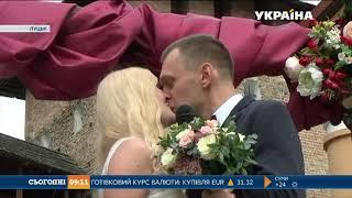 видео Весілля в середньовічному стилі
