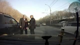 Босс мафии в очках получил по щам