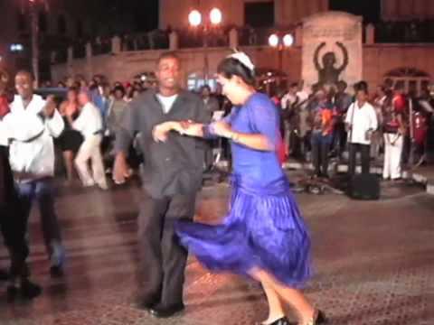 Impressive salsa dance couple - Santiago de Cuba