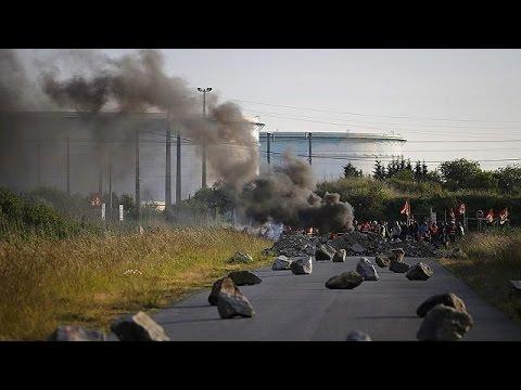 Fransa Greve Teslim: Ülke Benzin Kuyruğunda