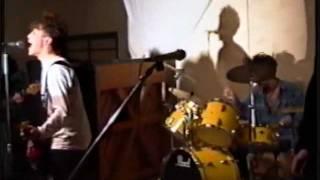 高校時代(20年前)にジュンスカのコピーバンドをしていたときの映像です。