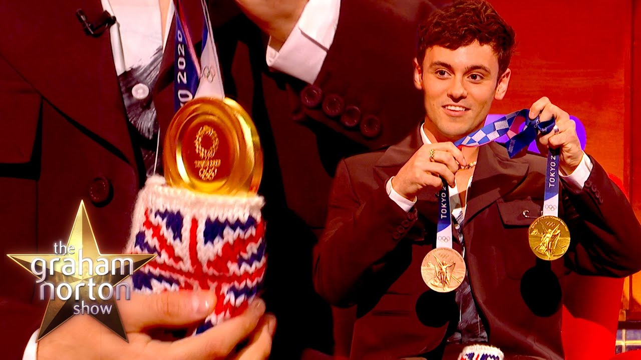Tom Daley Shows Off His Adorable Pouch For His Gold Medals   The Graham Norton Show