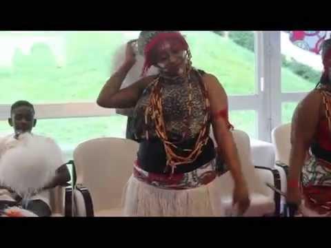 yenge afrika  animation na maison de retraite  avec le ballet motema