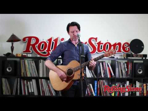 "Paul Dempsey ""Strange Loop"" (Live At The Rolling Stone Australia Office)"