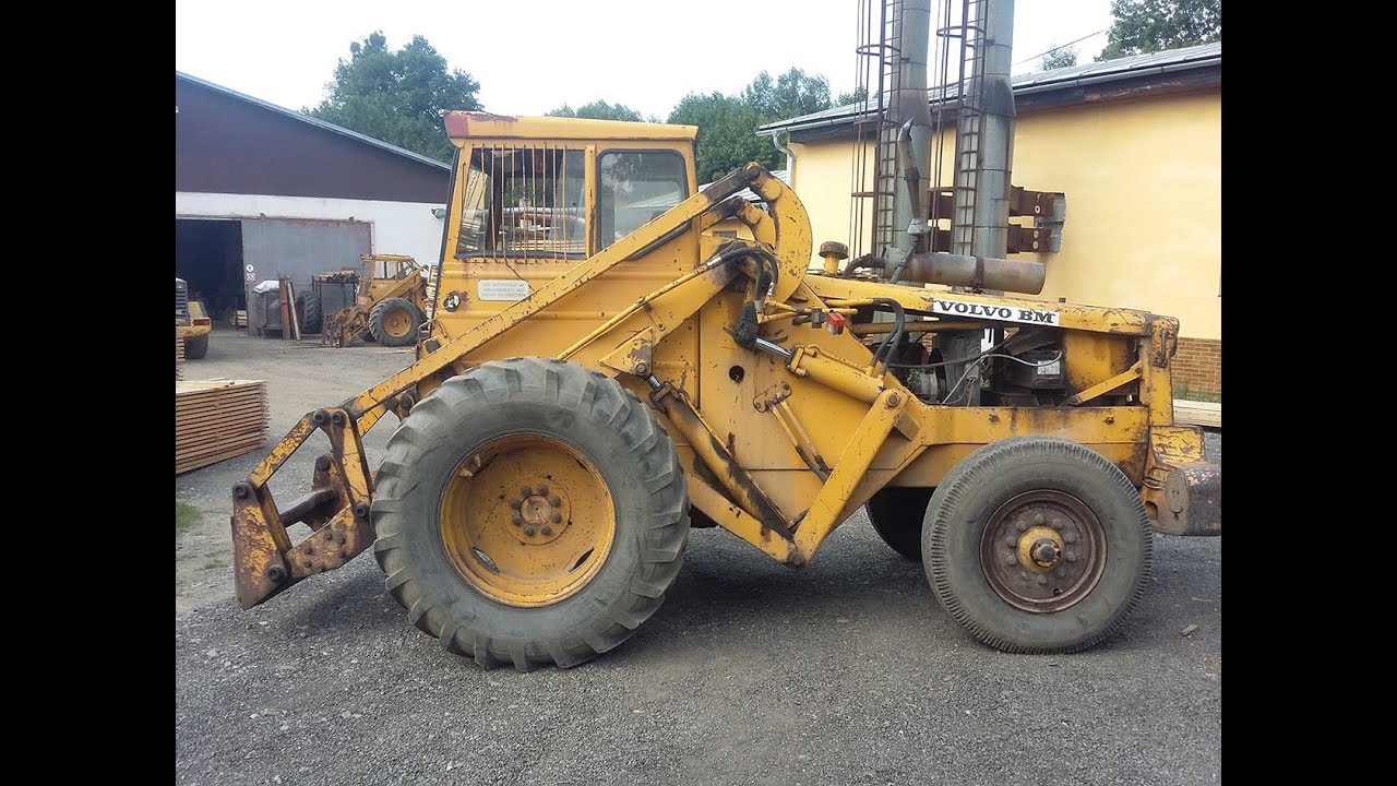 Work with old wheel loader Volvo BM 621 - YouTube