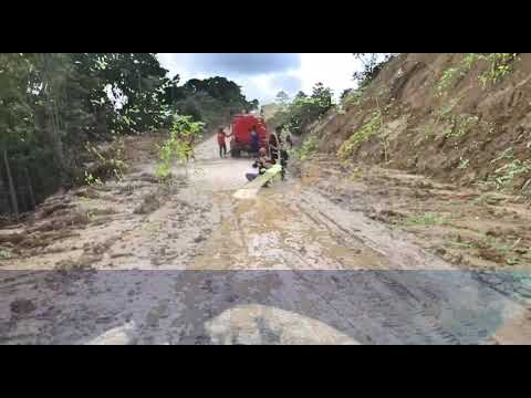Video: Longsor Mambuni-buni, Satuan Kerja Pelaksanaan Jalan Nasional Wilayah 5 Fakfak Terunkan 2 Alat Berat