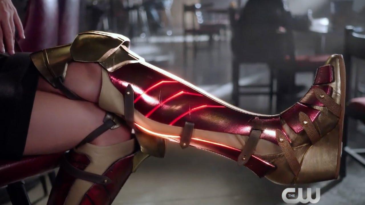 "Download Supergirl - Extended ""Wonder Woman"" Promo"
