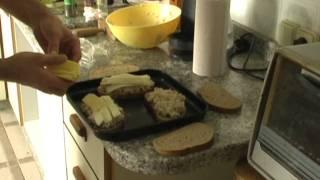 Tuna & Macaroni Salad Cheese Melts.wmv