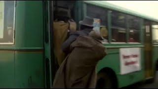 MontecitorioSelfie - Autobus pieni, urne vuote