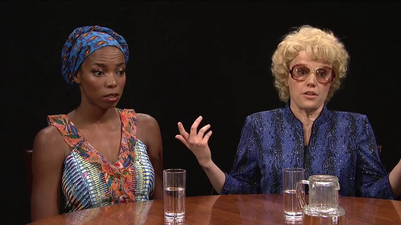 Margot Robbie impersonates Keira Knightley on Saturday Night Live