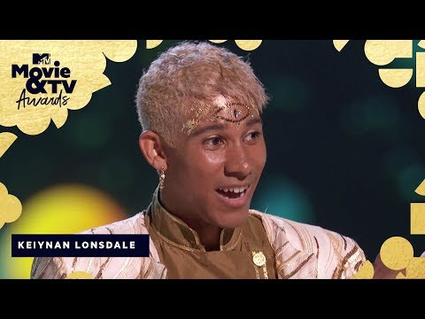 Keiynan Lonsdale Accepts the Award for Best Kiss | 2018 MTV Movie & TV Awards