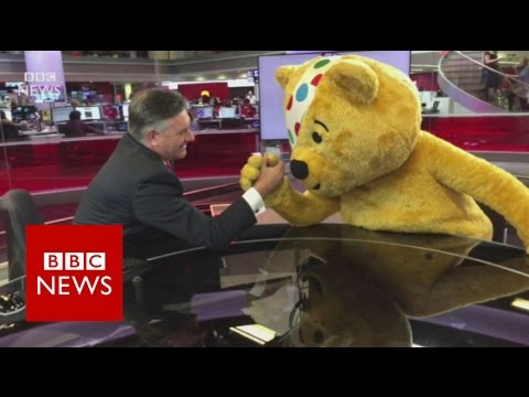 Mannequin Challenge in the BBC Newsroom - BBC News