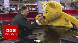 Mannequin Challenge in the BBC Newsroom   BBC News