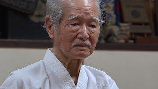 沖縄で88歳の空手家に出会った。彼が空手を始めたのは74歳の時、今もな...