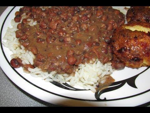 Fried sausage, Rice and pea gravy