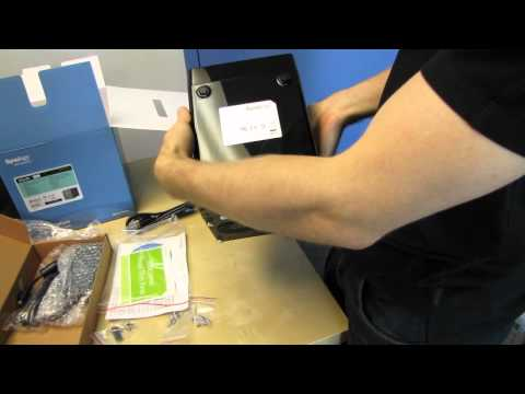Synology DS411 DiskStation 4 Bay NAS Unboxing & First Look Linus Tech Tips