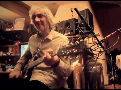 Louis Bertignac chez lui, interview + live exclusif !