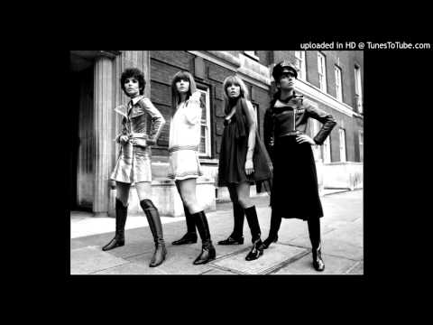 Eileen - These Boots Are Made For Walkin (French Language Version)