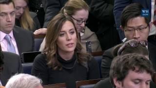 Sean Spicer fails to answer Hallie Jackson on Trump