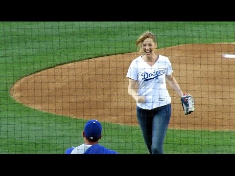 Judy Greer Throws 1st Pitch at @Dodgers Tonight