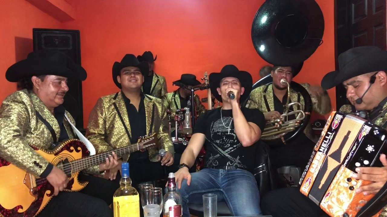 Cada Vez te Extraño Más - Fernando Corona y su Grupo Tosco COVER