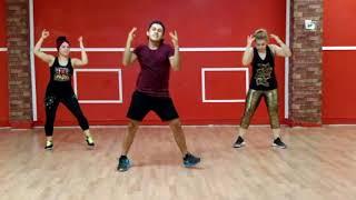 felices los 4 version salsa (Choreography)