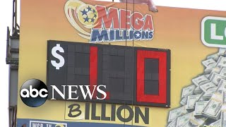 Mega Millions soars to $1 billion for first time in game's history