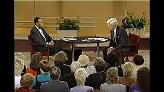 ''MINISTER FARRAKHAN ON DONAHUE 1990''