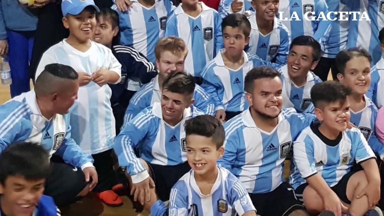 Giovani Caxal, el niño salteño que integra en el seleccionado argentino de fútbol de talla baja