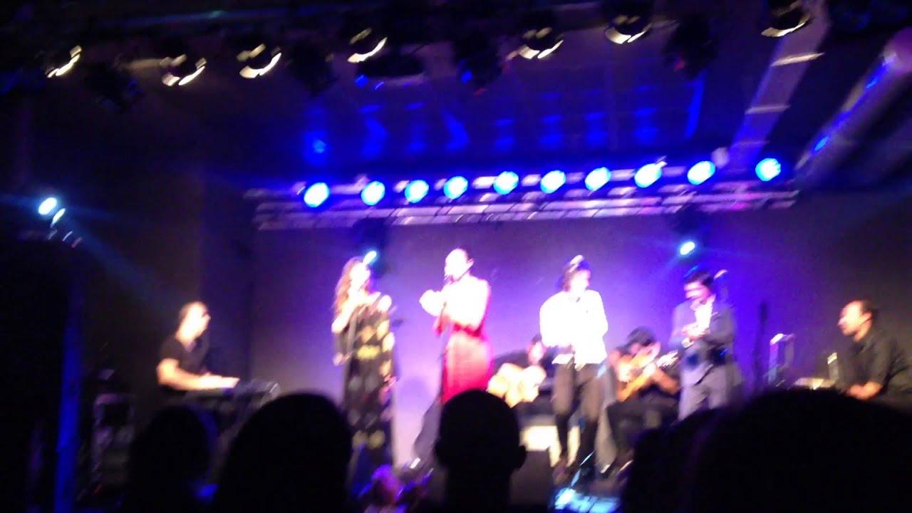 Makarines fin de fiesta concierto 4 voces sala x for Sala obbio sevilla