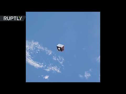 لقطات تحبس الأنفاس.. قمر اصطناعي يسبح في الفضاء الخارجي  - 17:21-2018 / 6 / 21